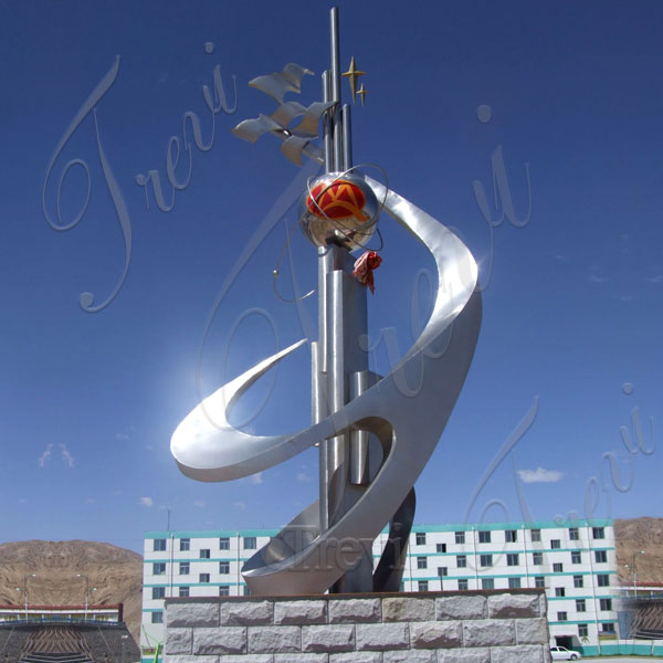 big high polished metal sculpture for hotel
