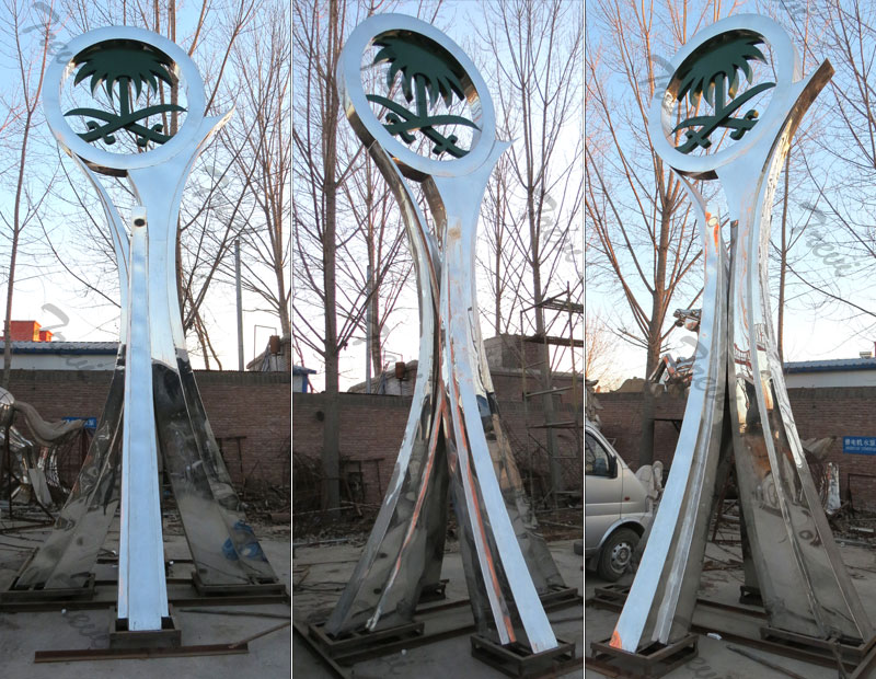 Outdoor large polished stainless steel sculpture made for clients from Saudi Arabia